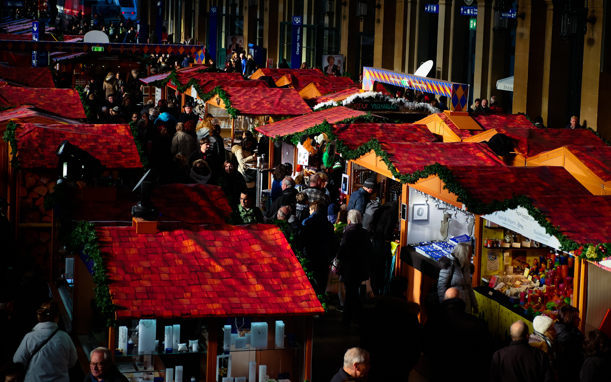 Christmas Market in Zürich Hauptbahnhof Mainstation