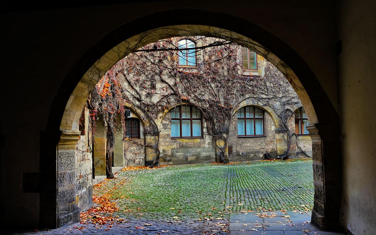 Schloß-Geyerswörth-Bamberg-foliage
